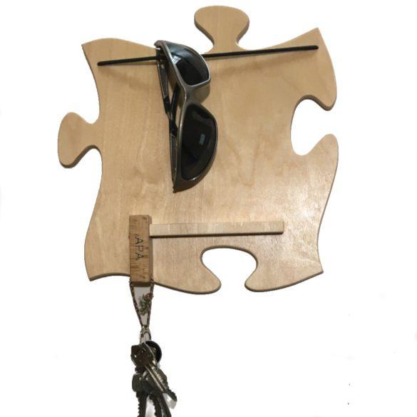 Szemüvegtartós kulcstartós tábla