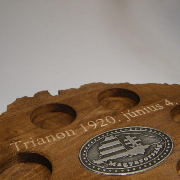 Trianon feliratos ital vagy pálinka kínáló, faragott Nagy-Magyarország (dió színben),  Nagy-Magyarországos ón címkével